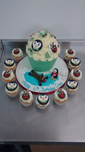 6 birthday cup cakes