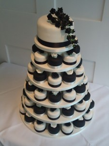 chocolate vanilla cup cakes tower