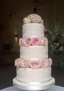 Contemporary Cake Designs have created yet another beautiful Wedding cake in Gloucestershire