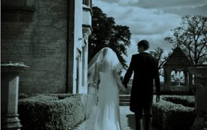 Contemporary Cake Design will be exhibiting at the Ellenborough Park Wedding Show on 5th March.