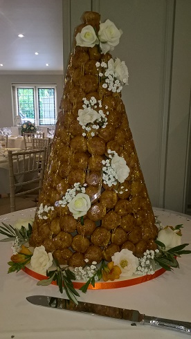 Contemporary Cake Designs have just created another stunning Croquembouche.